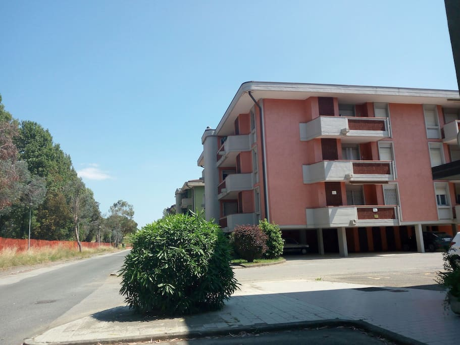 palazzina ,dove al terzo piano si trova l'appartamento