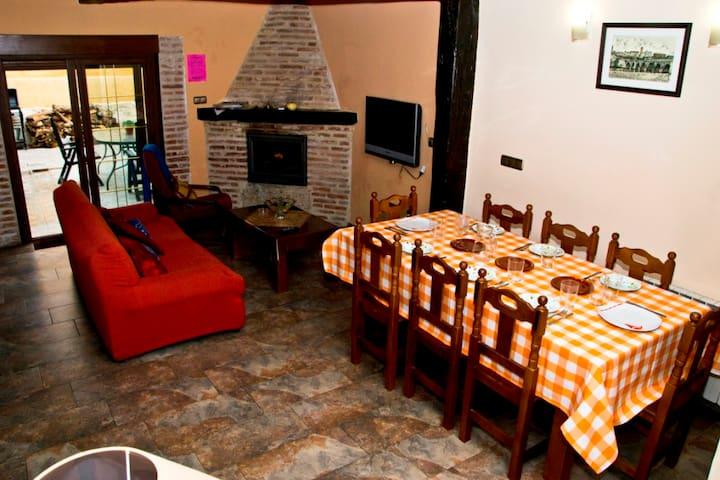 Preciosa casa rural en Tordesillas - Tordesillas - House