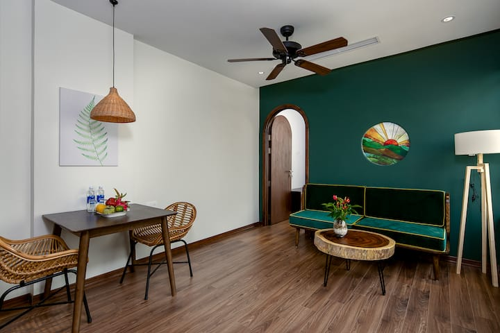 Tropical House*MODERN GREEN 2BR APT*City Center