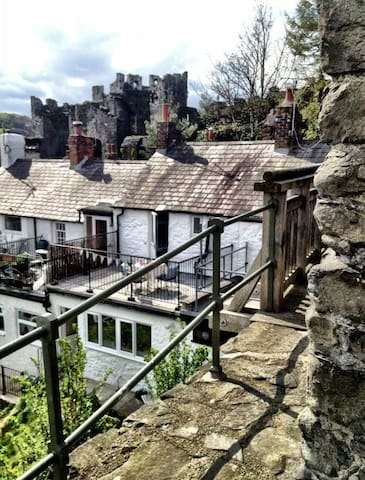 Unique Castle Views in Medieval Conwy Town - Conwy - Casa