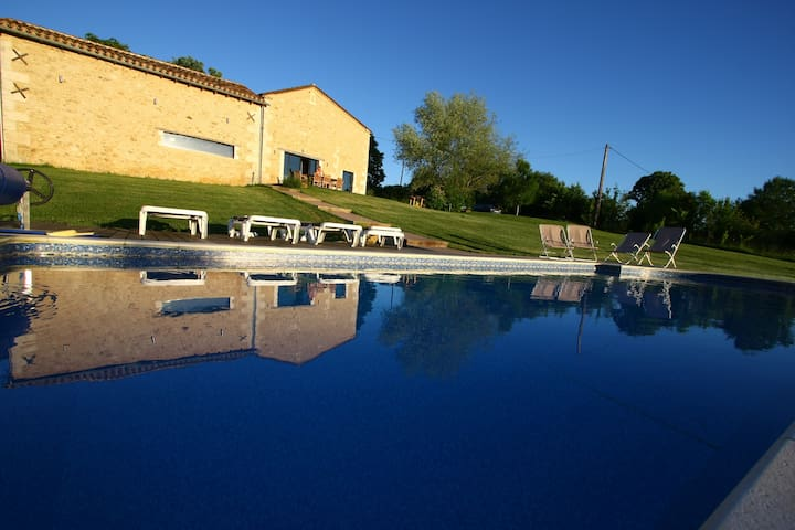 Wonderful house in Périgord , heated pool - Bourrou - Huis