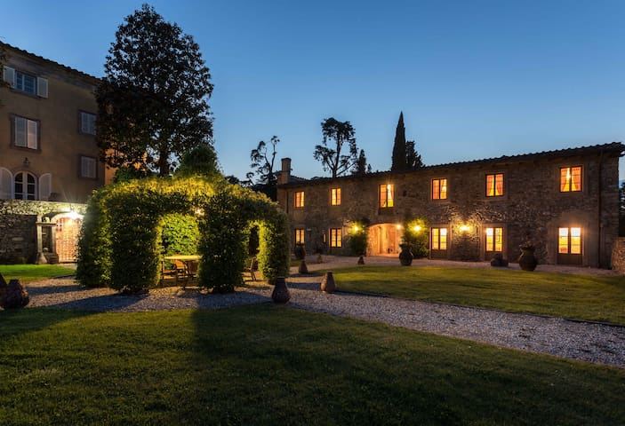 Borgo Bernardini.Exclusive Retreat for 24 people