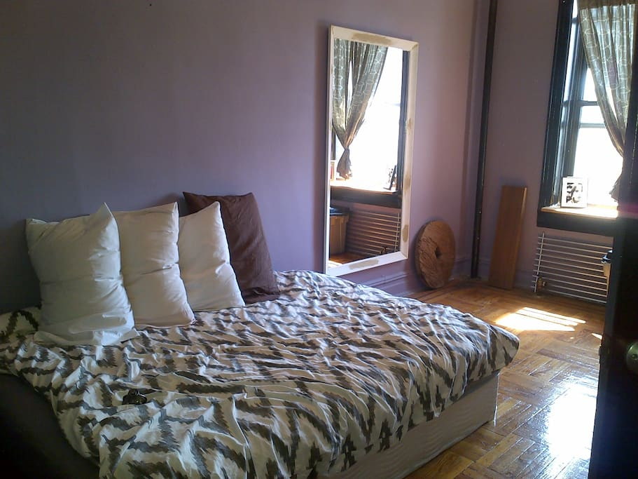 Sunny prospect park one bedroom apartment apartments for for 64 terrace place brooklyn