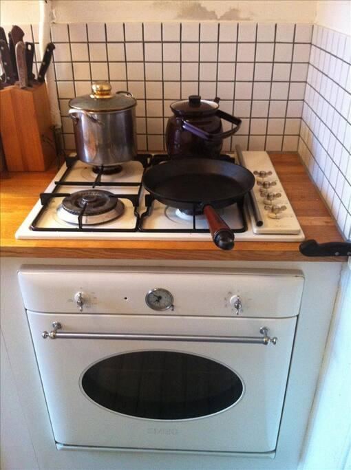 Gas-stove.