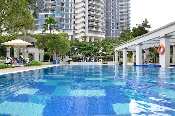 Resort Living In Mont Kiara - Kuala Lumpur - Wohnung