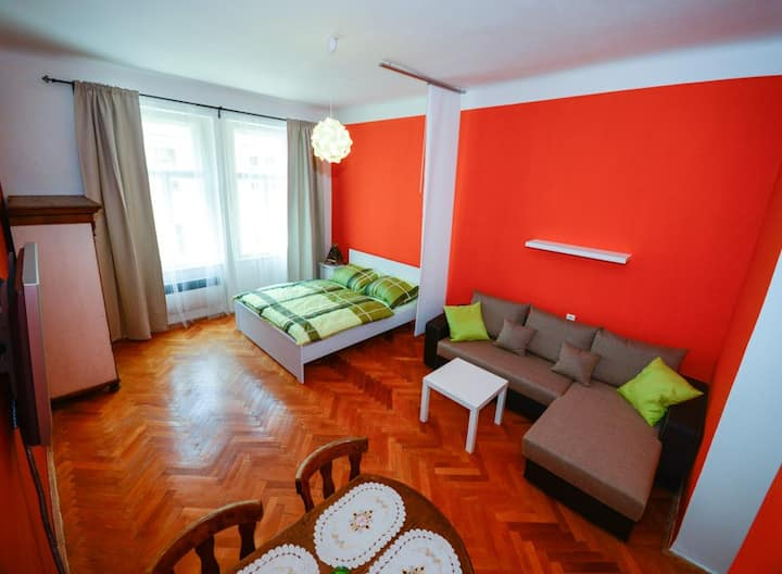 New stylish apartment in center