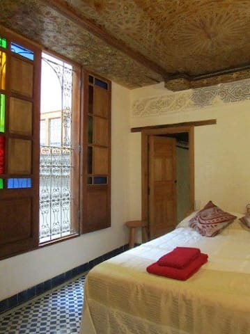 Dar Driss(URL HIDDEN)Fatima Room - Fez - Bed & Breakfast