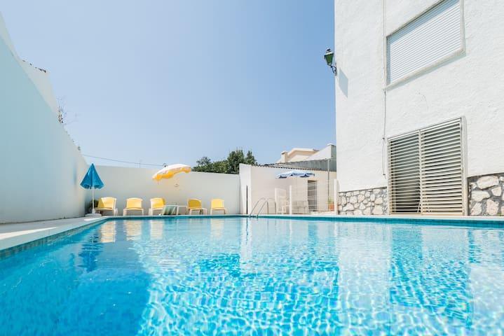 Casa com piscina, jardim e praia - Seixal Municipality - Haus