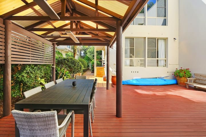 ACCOM HOLIDAYS | Beach Lake | North Avoca