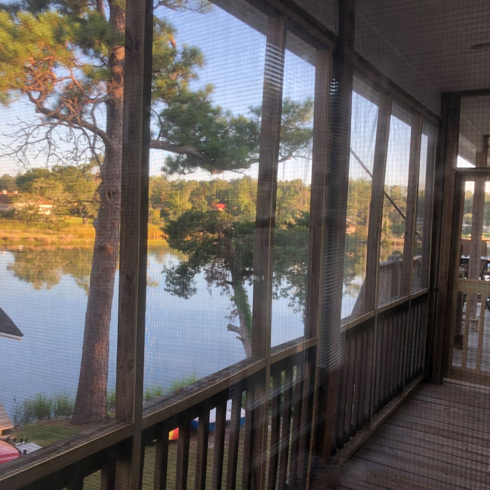 Waterfront bedroom and screened porch!