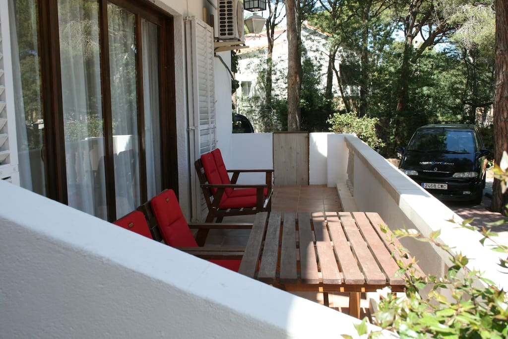 tranquila terraza para tomar el aperitivo