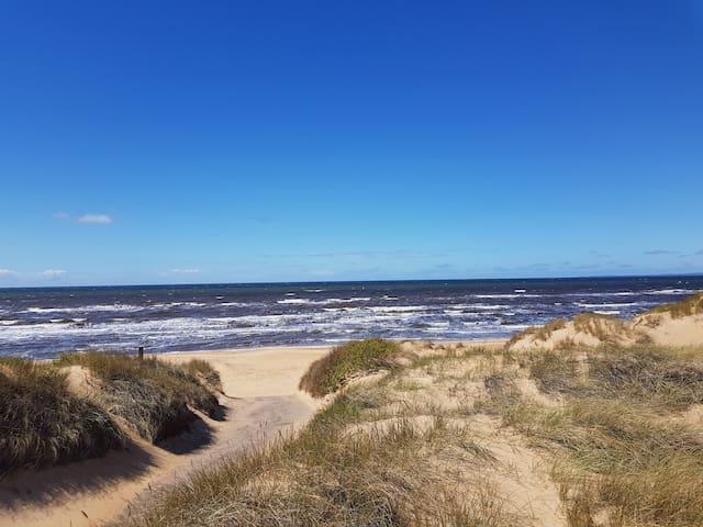 Promenadväg till stranden