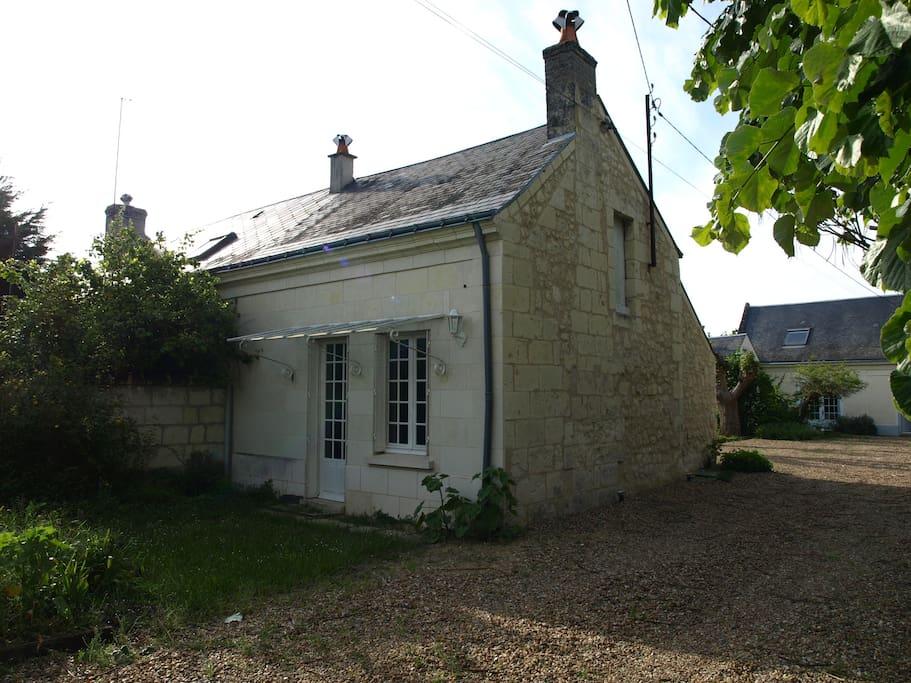 Une petite maison aménagée pour vos vacances / A nice place where you'll feel home.