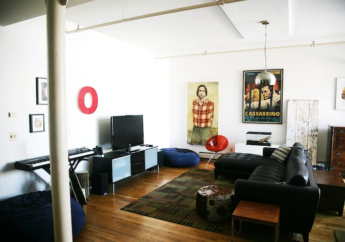 Huge Artist Loft with BBQ deck -  WILLIAMSBURG