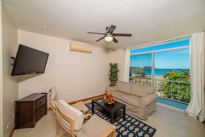 Suenos #3 Ocean view condo 50 meters from beach!