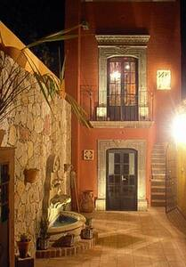 Room type: Entire home/apt Property type: House Accommodates: 5 Bedrooms: 2 Bathrooms: 3