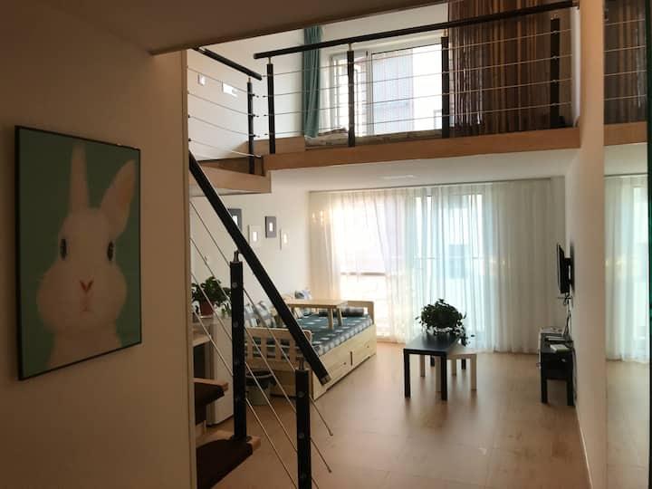 蓬莱阁海水浴场旁临海复式loft民宿公寓8