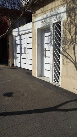 Hermosa casa en Buenos aires - Haedo