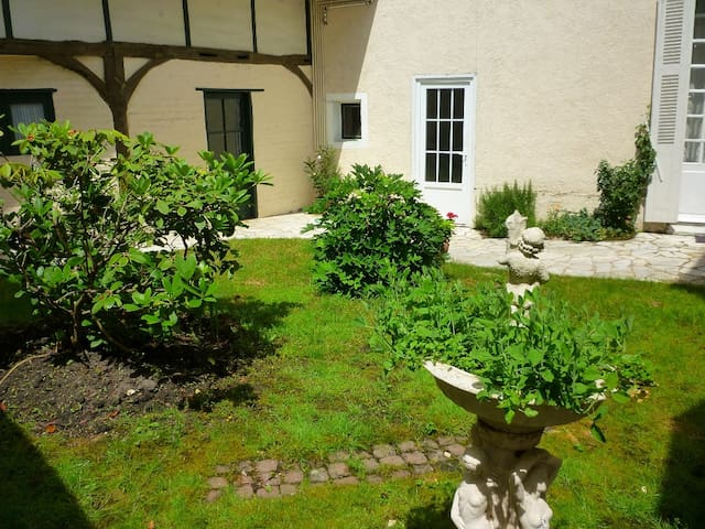 Gîte Le Prieuré,quartier historique - Amboise - Byt