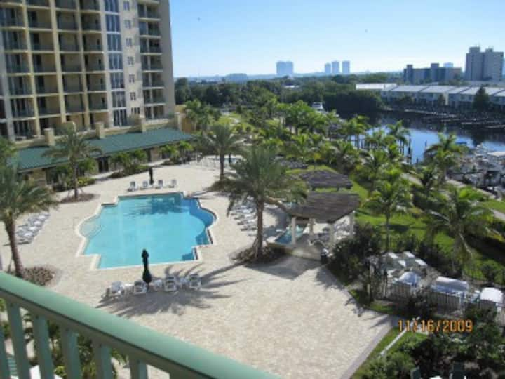River view Fort Myers condo (Monthly rental ONLY)