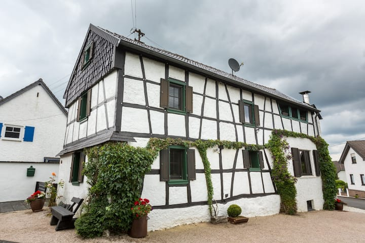 comfortable historic half-timber house in the qui
