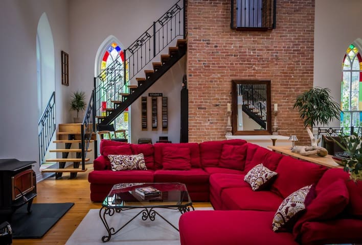 The Manilla Church Guesthouse - Oakwood - Loft