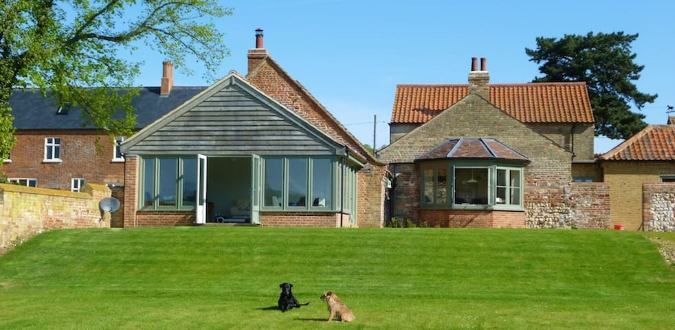 Standard Double Bed - Castle Acre - Bed & Breakfast