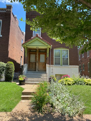 Charming historic home just 5mi from Arch