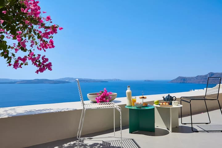 Stunning Villa | Caldera View & Outdoor Jacuzzi