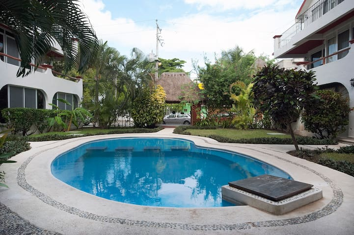 Private room @ penthaouse w/ pool @ PDC center - Playa del Carmen