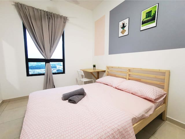 【4 bedroom apt💚💛🧡best for 4-12 pax】by HomeCube