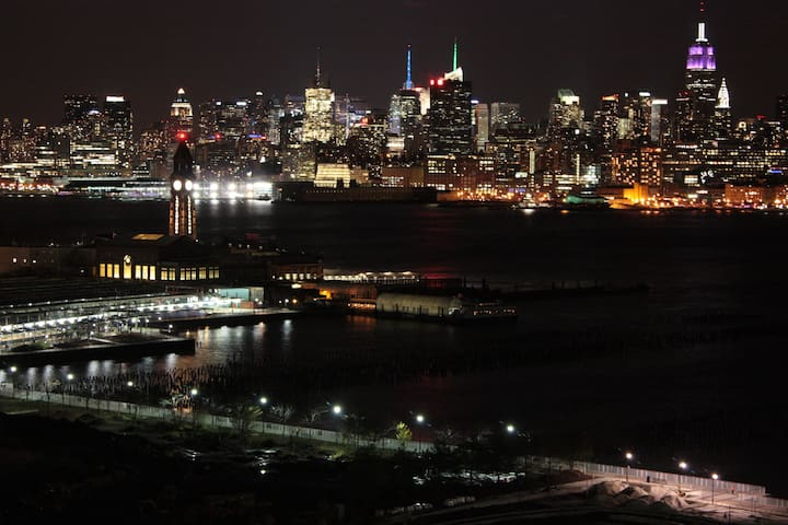 ONE STOP AWAY - Jersey City - Appartement