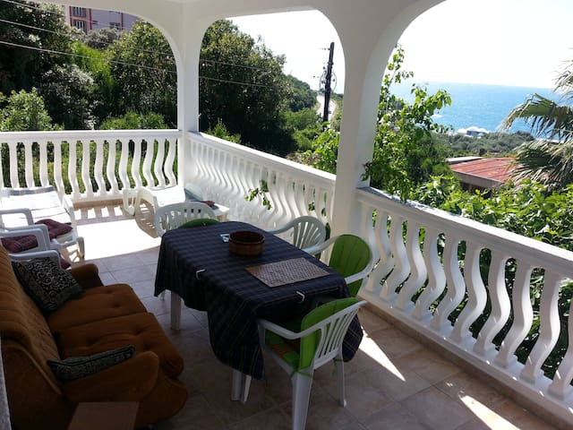 Duplex sea view ideal for 2 families Bar Utjeha