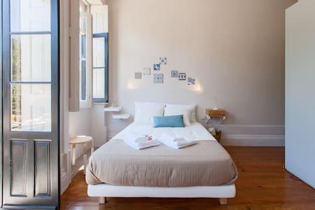 Cosy city center AZULEJO AP - Porto - Apartment