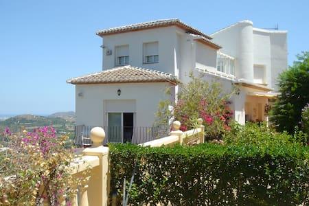 La Palmera Urb. Monte Corona - House