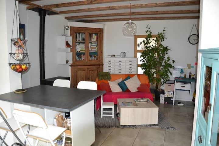 Chambre privée au centre village de Léon
