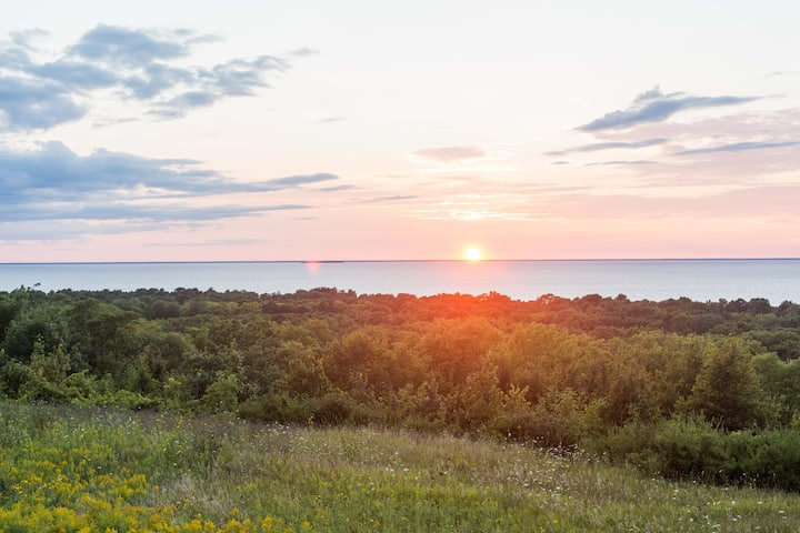 Sunset Bluff Getaway in Egg Harbor