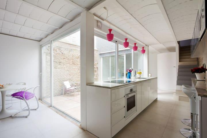Duplex Loft and a court_GRANADA - Granada - Hus
