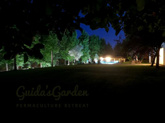 Guida's Garden - Earth - Private Room