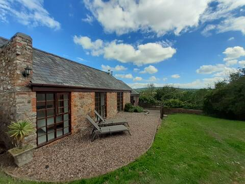 Light & Airy Vaulted Barn Conversion with a View
