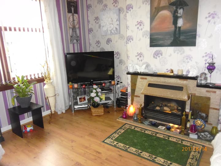 Central Delight 2 bedroom house with garden