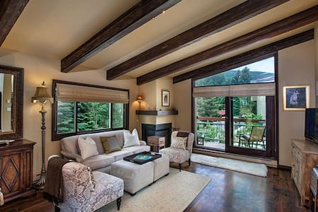 Luxury Condo in heart of Aspen - アスペン