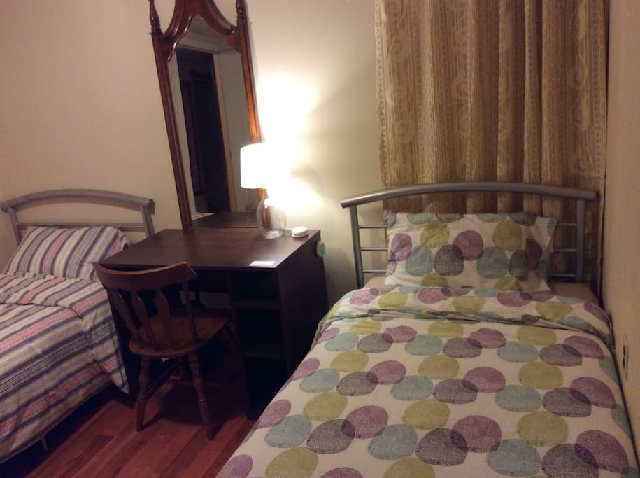Cozy Room with 2 single size bedroom # B42