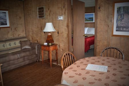 Gogebic Suite - AJ's Walleye Lodge