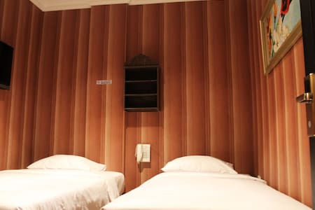 Double or Twin Bed - West Jakarta - Bed & Breakfast