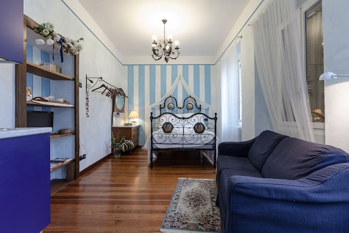 Charming studio in medieval court - Domodossola - Appartement