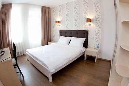 Viktoria Park Hotel - Bucha - Квартира