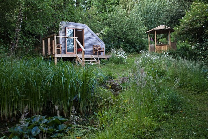 Eco Glamping Pod in Wildlife Garden