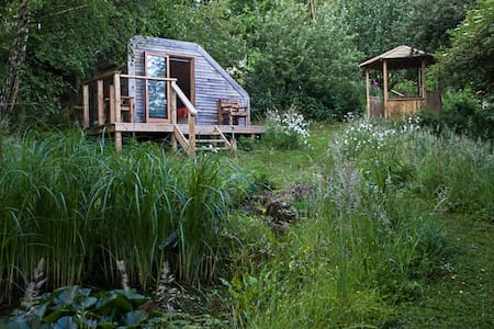 Eco Glamping Pod in Wildlife Garden - Shaftesbury