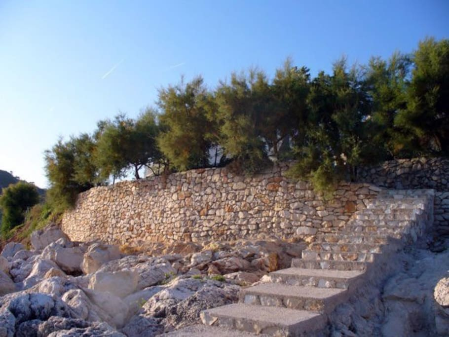 stairs from the house directly to the sea
